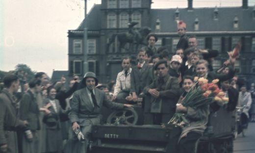 Bevrijding in Den Haag op het Buitenhof